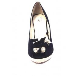 Zapato con cuña de Charo Fernández. Ref: 302912