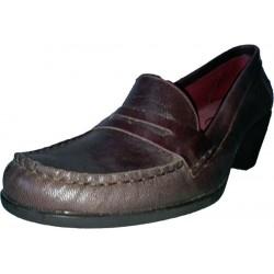 Zapato de tacón bajo de la casa Himalaya