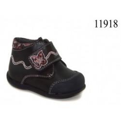 Zapato para niñas con velcro y puntera reforzada