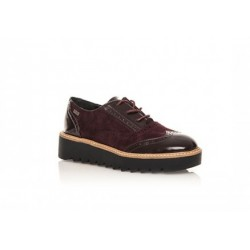 Zapato mustang tipo inglés con punteado