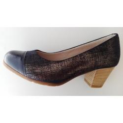 Zapato para mujer tacón bajo de la marca Tupié.. Ref:91