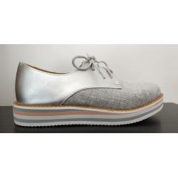 Zapato para niña tipo oxford en plata y nude. Ref: BB-A2353