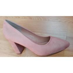 Zapato salón de tacón para señora en color nude.