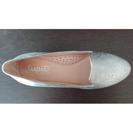 Zapato para mujer con tacón bajo de la casa Tupié. Ref:526
