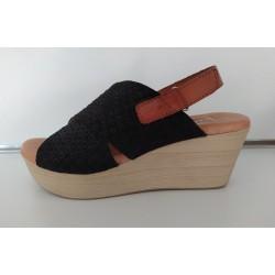 Sandalia de cuña con plataforma de la casa Digo-Digo. Ref: 5869