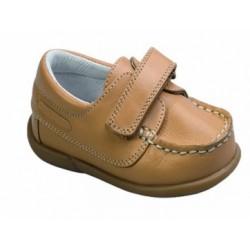 Zapatos de niño clasico de la casa Dbebe