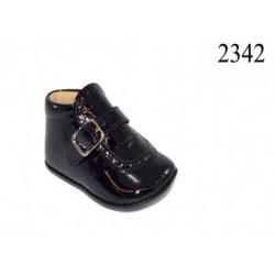 Zapatos de bebé clasico de la casa Dbebe